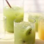 Zumo de kiwi y uvas