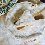 Pastel de queso y avellanas