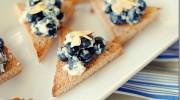 Crostini de arándanos azules