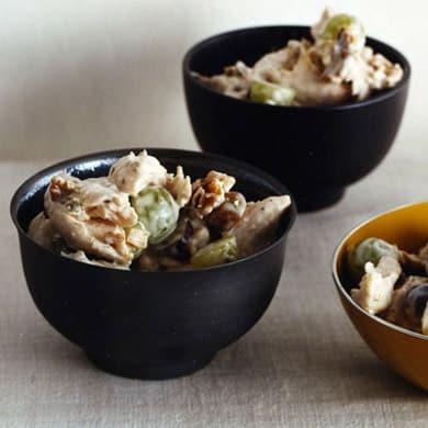 Ensalada de pollo con uvas y nueces