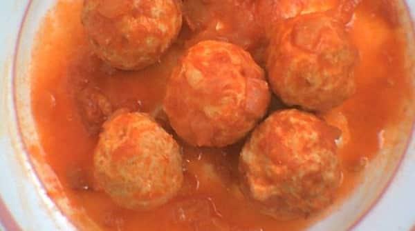 Albóndigas de pollo con Salsa de Tomate