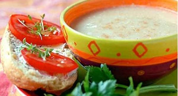 Sopa de Apio con Manzana