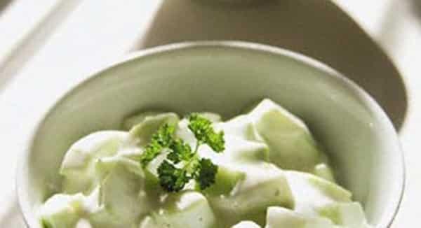 Ensalada de Yogurt con Pepinos