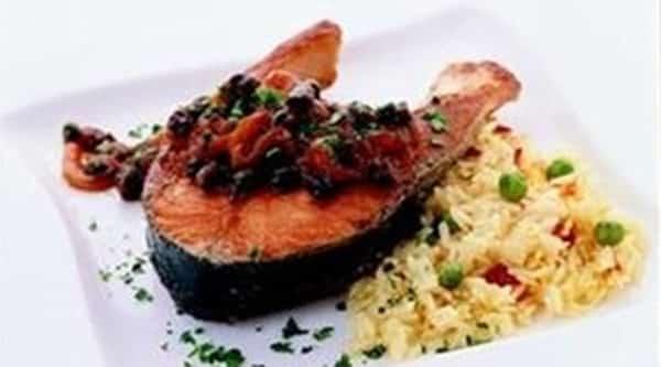 Filete de Pescado con Salsa Agridulce de Tomate