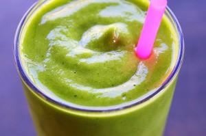 Batido verde, de espinaca y fruta