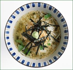 Sopa de arroz y té, estilo japonés