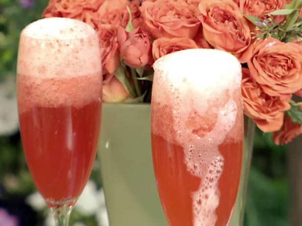 Coctel de champán y fresas
