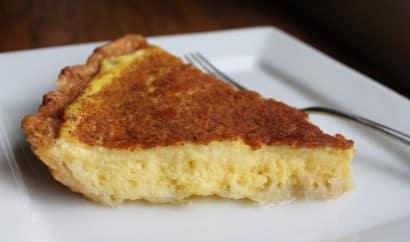Pie de crema pastelera y canela