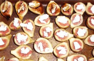 Higos calientes con queso de cabra