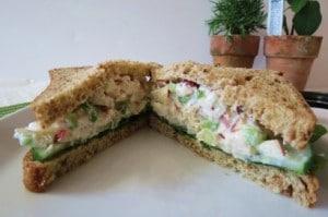 Sandwich de pollo estilo California