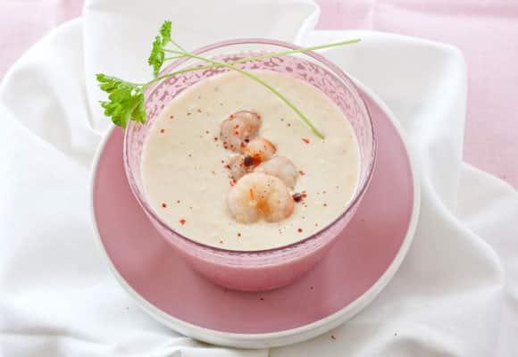 Sopa de gambas y leche de coco
