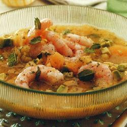 Sopa fría de melón con camarones y aguacate