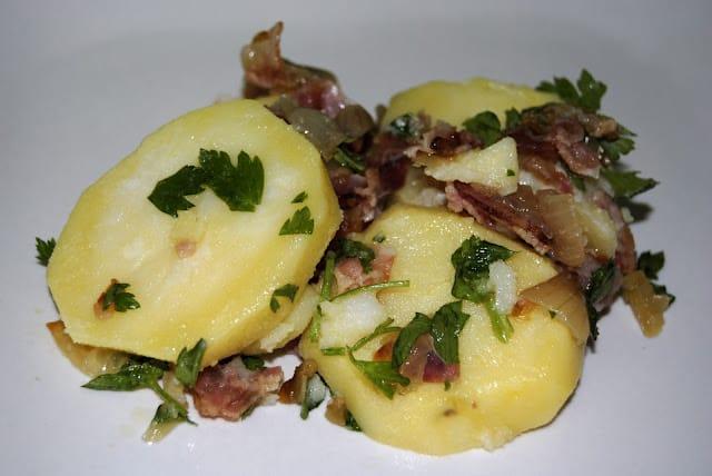 Ensalada de patatas con bacon