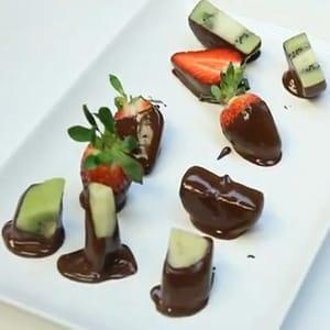 Brocheta de Frutas con Chocolate