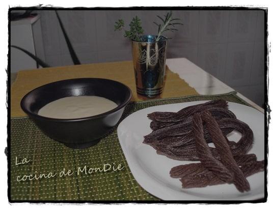 Churros de chocolate con natillas caseras