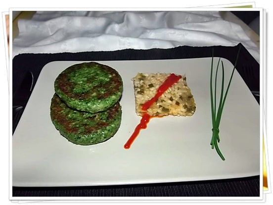 Hamburguesa verde con arroz