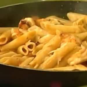 Pasta Arrabiata con Camarones