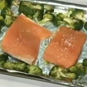 Salmón rostizado con Brócoli