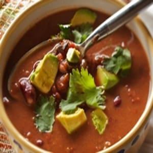 Sopa de Fríjol con Comino y Jalapeño