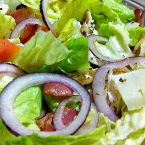 Ensalada Templada de Pollo, Bacon y Queso