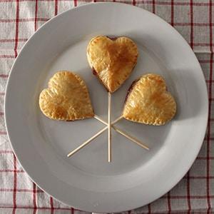 Piruletas de Hojaldre para San Valentín
