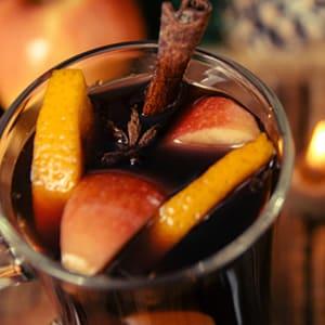 Ponche Navideño de Manzana y Naranja